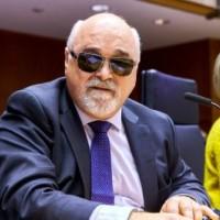 Ο Ι. Βαρδακαστάνης κατά τη διάρκεια της συνεδρίασης
