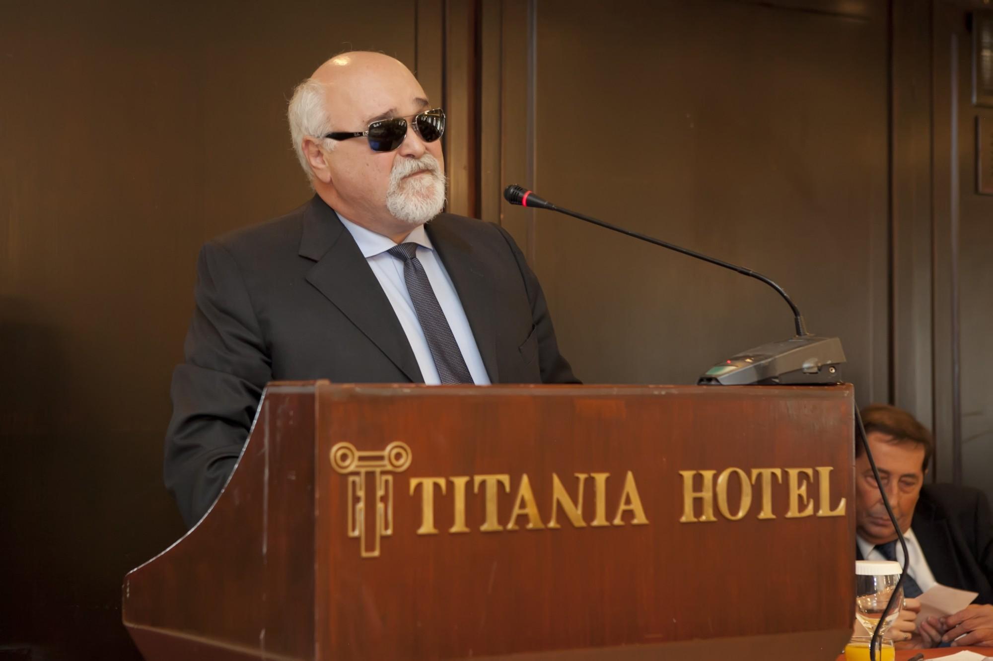 Ο Ιωάννης Βαρδακαστάνης κατά τη διάρκεια της ομιλίας του
