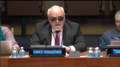 O I. Βαρδακαστάνης κατά την ομιλία του στη 10η Διάσκεψη