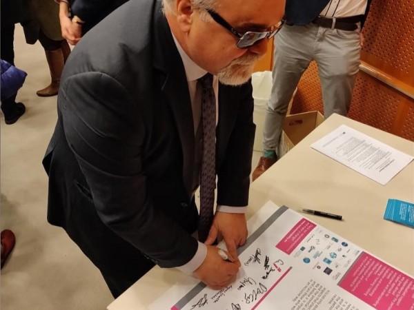 Υπογραφή της Διακήρυξης για πρόσβαση χωρίς περιορισμούς στην Γ΄ Βάθμια εκπαίδευση