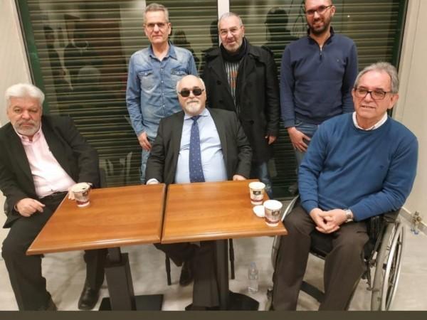 Ο Ι. Βαρδακαστάνης με εκπροσώπους φορέων του αναπηρικού κινήματος στη Λάρισα