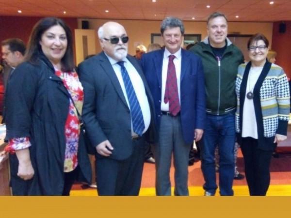 Ο Ι. Βαρδακαστάνης με συμμετέχοντες στην εδήλωση