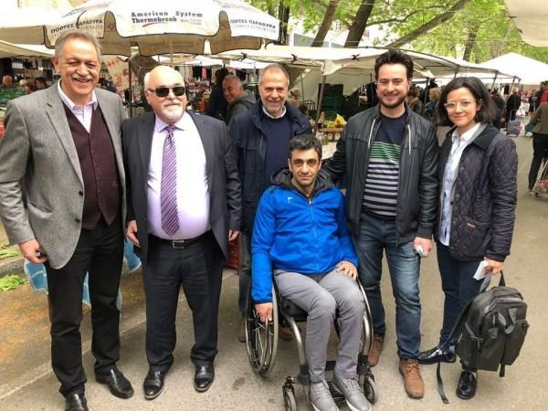 Ο Ι. Βαρδακαστάνης στη λαϊκή αγορά της Κοζάνης