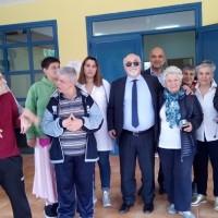 Ο Ι. Βαρδακαστάνης στο Ειδικό Σχολείο Αλμυρού