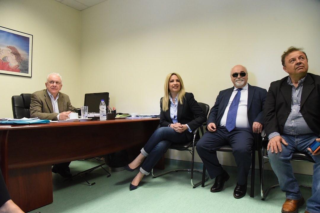 """Ο Ι. Βαρδακαστάνης με την Πρόεδρο του Κινήματος Αλλαγής Φ. Γεννηματά στο Νοσοκομείο """"Αγία Όλγα"""""""