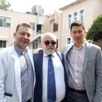 """Ο Ι. Βαρδακαστάνης κατά την επίσκεψη στο Νοσοκομείο """"Αγία Όλγα"""""""