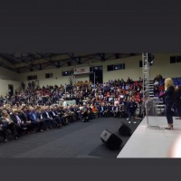 Ο Ι. Βαρδακαστάνης παρακολουθεί την ομιλία της Προέδρου του Κινήματος Αλλαγής Φ. Γεννηματά
