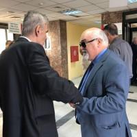 Ο Ι. Βαρδακαστάνης κατά την επίσκεψη στο ΙΚΑ Περιστερίου