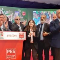 Ο Ι. Βαρδακαστάνης ανάμεσα σε συνυποψήφιους κατά τη διάρκεια της εκδήλωσης