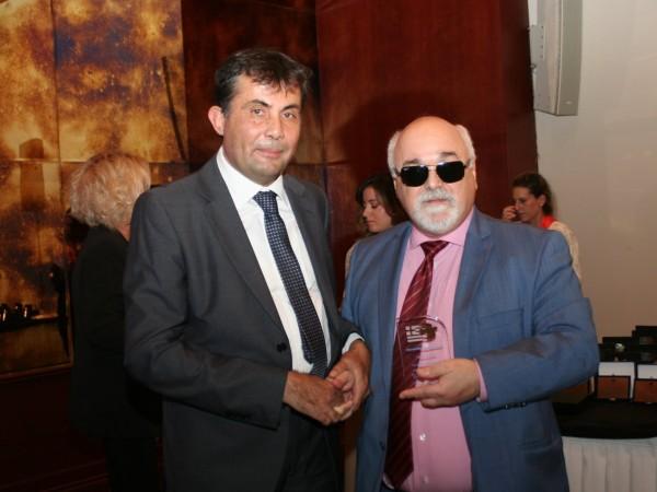 O I. Βαρδακαστάνης με τον πρόεδρο της ΕΟΘΑ Β. Δήμο