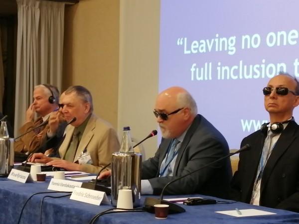 Στιγμιότυπο από την ομιλία του Ι. Βαρδακαστάνη