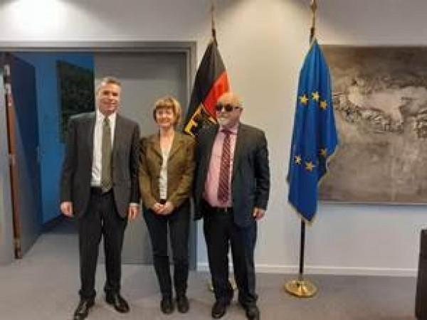 Ο Ι. Βαρδακαστάνης με τον Πρέσβη της Γερμανίας στην ΕΕ, Michael Clauss,